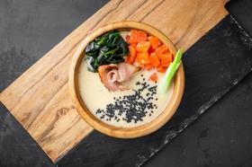 Суп сливочный с лососем и беконом